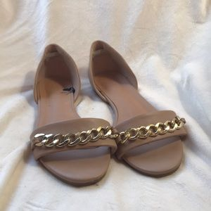 Tan D'Orsay flats with gold chain accent